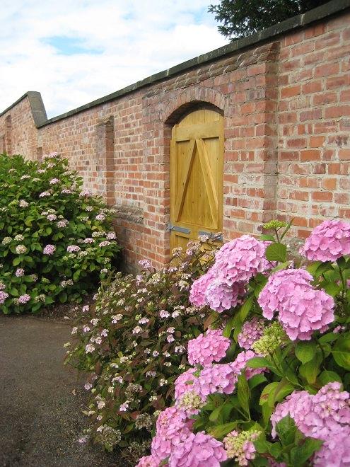 2015 Hydrangea Garden Gates Closed